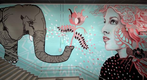 Myyrmäen juna-asema 2015 Heidi Hänninen Salla Ikonen Multicoloured Dreams #StreetArt #Finland #SallaIkonen #female #Myyrmäki #Vantaa #woman #Mural #graffiti #art