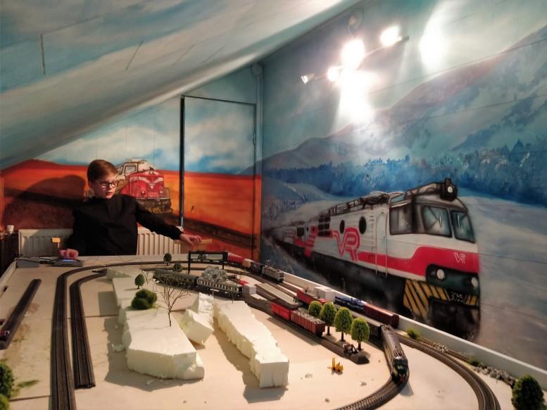 sallaikonen_train8